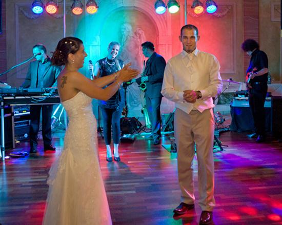 Eröffnungstanz im seehotel in Niedernberg. Eine tolle Hochzeit!
