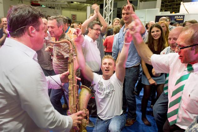 Eine Party bei der Messe in Frankfurt