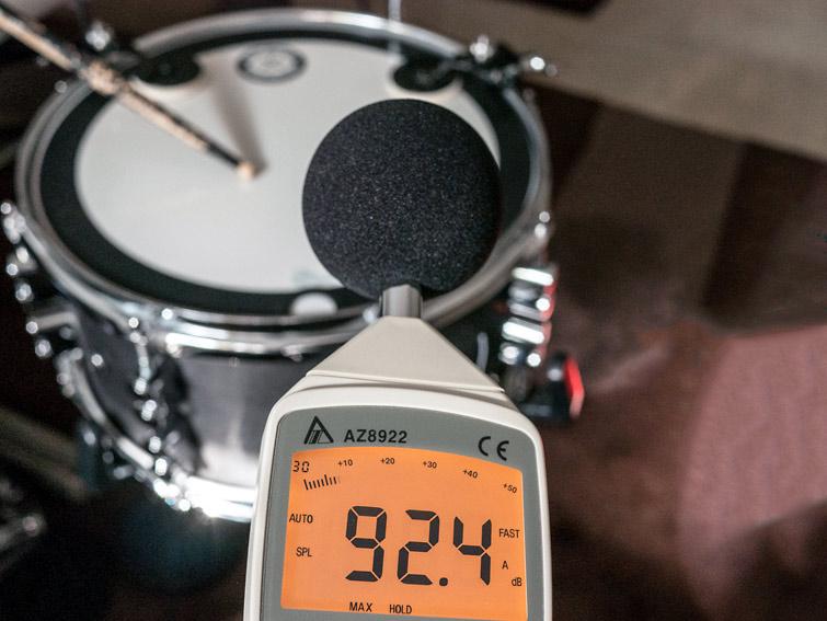 90 bis 92 Dezibel Snare