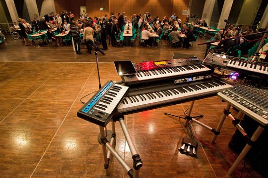 Keyboard Station mit Novation Bassstation