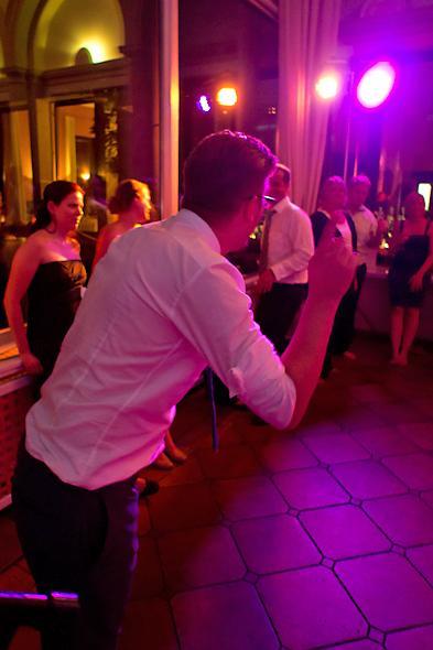 Stimmung auf der Hochzeitsfeier im Rheingau - Burg Schloss Hotel Schwarzenstein
