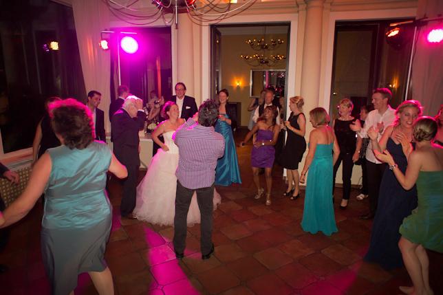 Livemusik mit der Partyband lecker Nudelsalat im Rheingau - Hochzeit auf der Burg