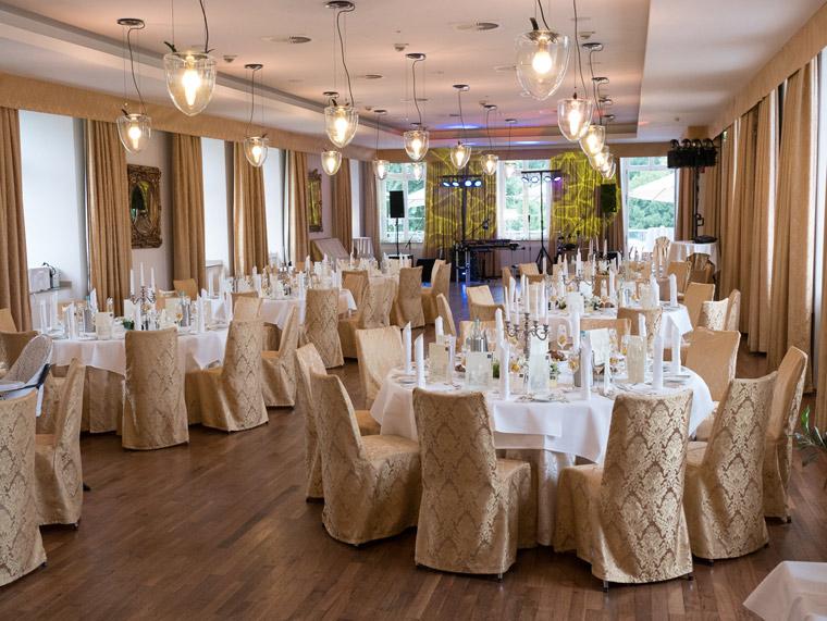 Eine Hochzeit im Saal des Schloss Berge in Gelsenkirchen