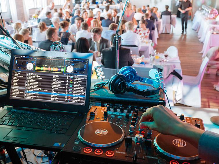 Band mit DJ Musik Hochzeit DJ Service