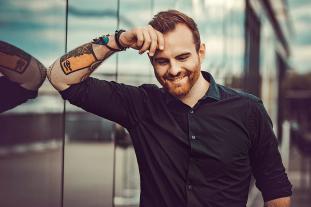 Chris Portraitfoto des Sängers