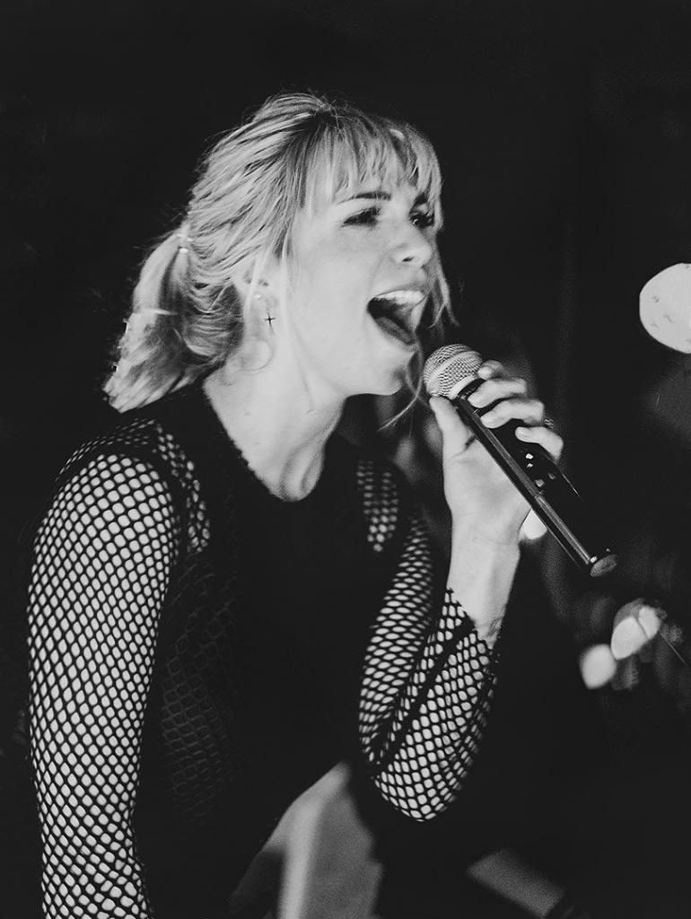 Liveband Sängerin Chantal Jansen live Foto