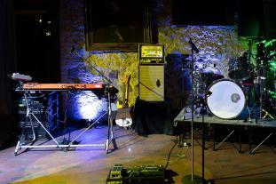 Unsere Band in Bonn für Livemusik und Partymusik | Foto der Bühne in der Godesburg.