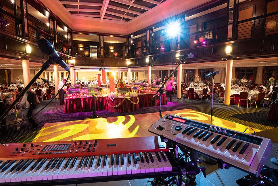 Saal für die Tanzveranstaltung in der Konkresshalle Hohe Düne