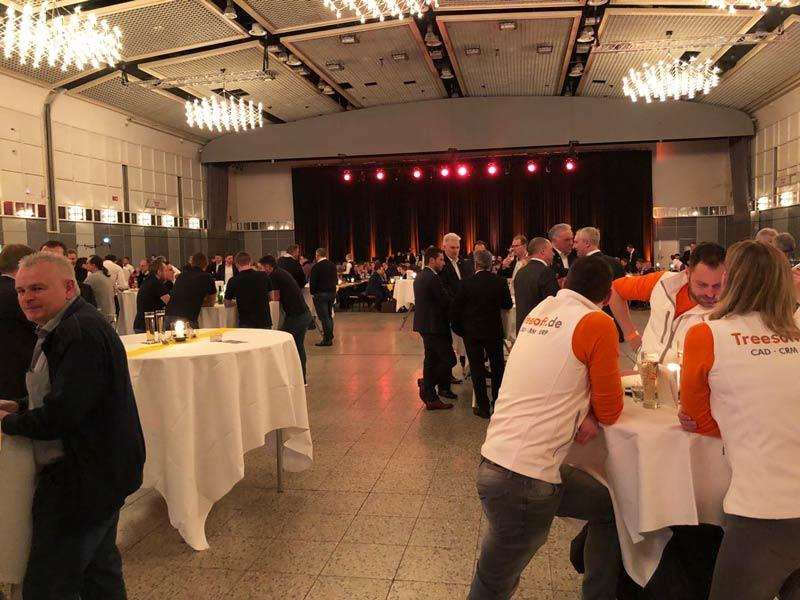 Anordnung und Aufbau für die Party in der Dortmunder Messe Halle