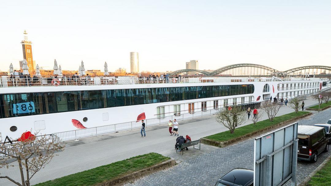 Foto des Rheinschiffs Arosa Brava in Köln.