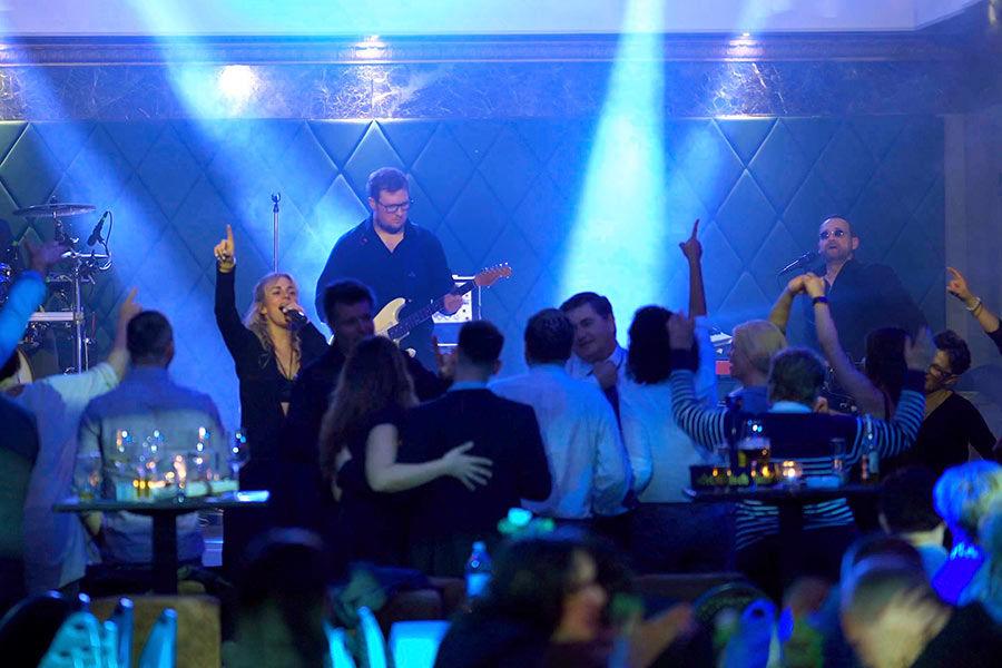 Die Kölner Band für Partymusik, live.