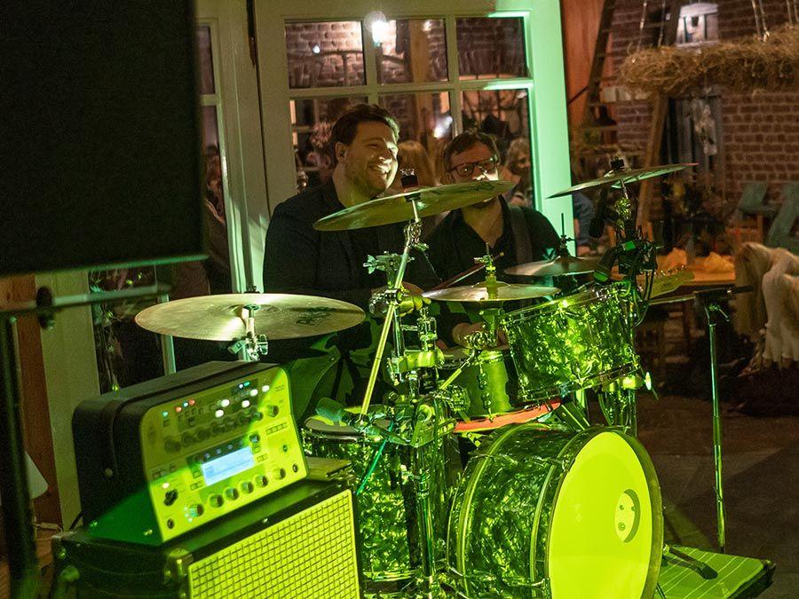 Bandfoto, kurz vor dem Start der Band in den Abend.