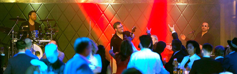 Live Foto der Partyband on Stage - Live Band für Partys - Slider
