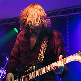 Bild eines Gitarristen Rock Cover Musik